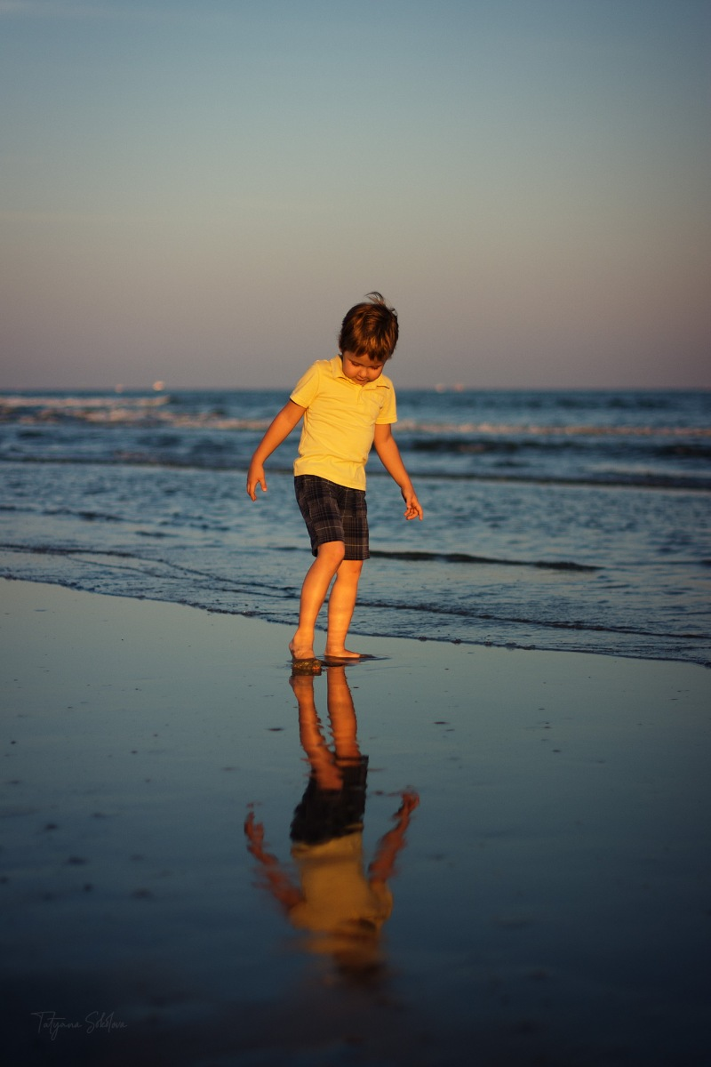 Houston Lifestyle Child and Family Photography; Galveston Beach Family Sessions