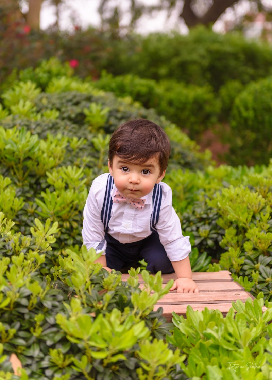 First Birthday Photographer in Houston; Child Photographer in Houston; Baby Milestone Sessions in Houston; Outdoor First Birthday Photo Shoot